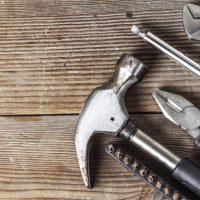 una-herramienta-para-muchas-tablas-de-madera_1205-728-200x200